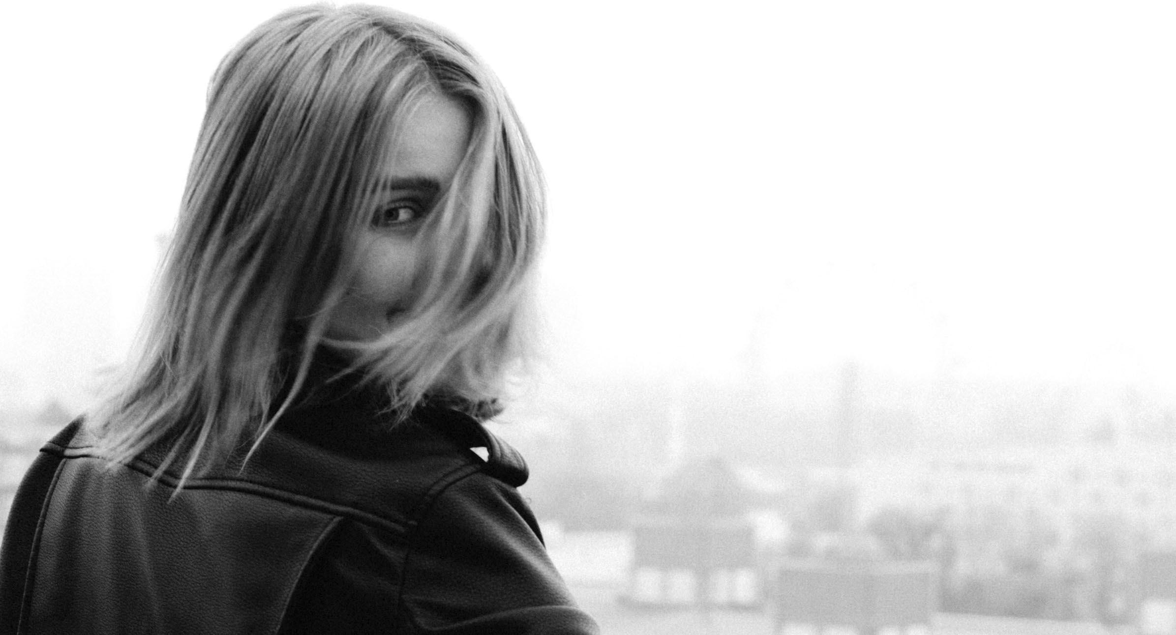Kajsa Rhodin - Elena